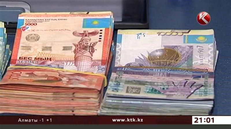 Нацбанк РК: в обменниках достаточно и рублей, и долларов