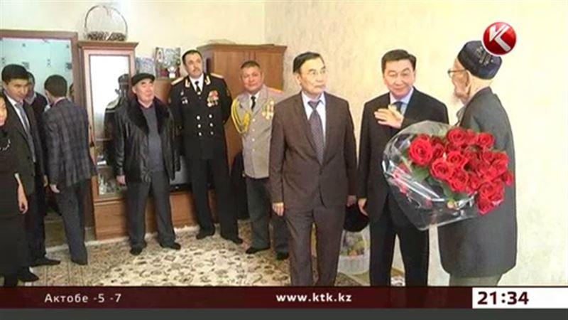 Фронтовики получают персональные подарки от Президента