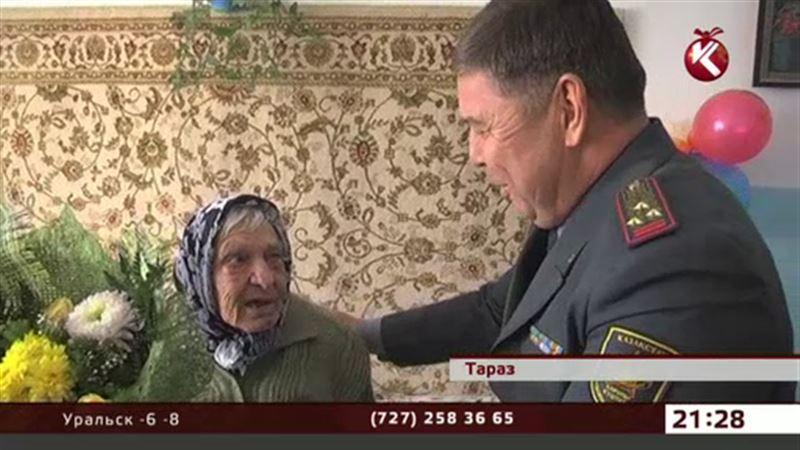 В Таразе с Новым годом поздравили участников Великой Отечественной войны