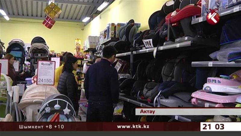 Новые правила дорожного движения: в Актау скупили все детские автокресла