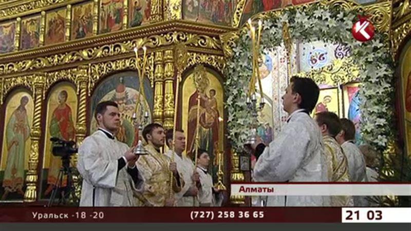 Тысячи православных казахстанцев участвовали в божественной литургии