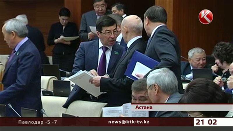 Новые ПДД: депутаты попросили полицейских пока не штрафовать водителей