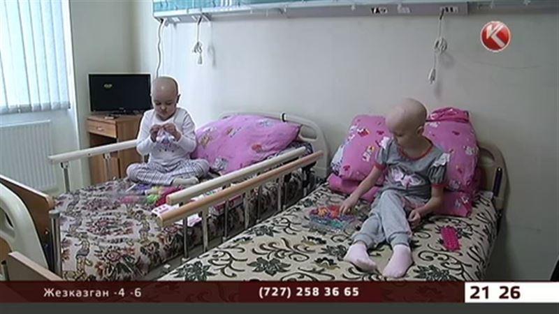 Чтобы спасти детей, в онкологических отделениях ставят дополнительные кровати