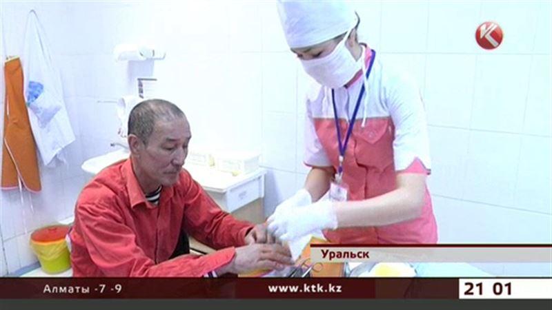 В уральские больницы обращаются с обморожениями