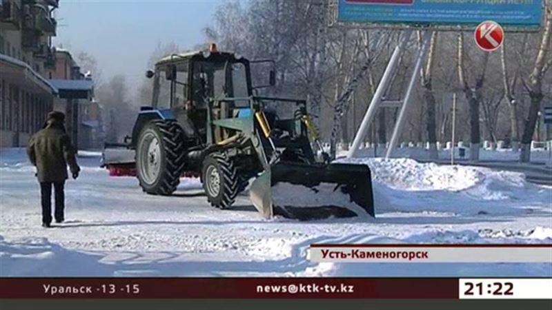 После визита Божко в Усть-Каменогорске вдруг стали убирать снег во дворах