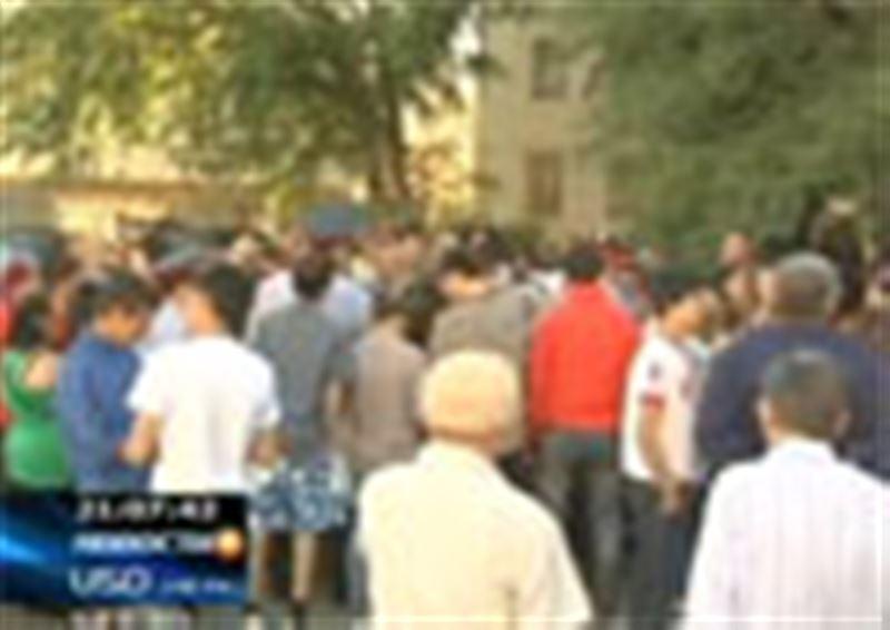 В Астане прошла крупная акция протеста. Причиной возмущения граждан стало отсутствие в их квартирах газа