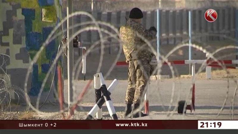 В Актау избивают морских пехотинцев