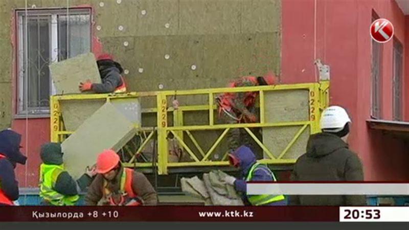 Астанада сылағы опырылып түскен түскен үй  жөнделе бастады