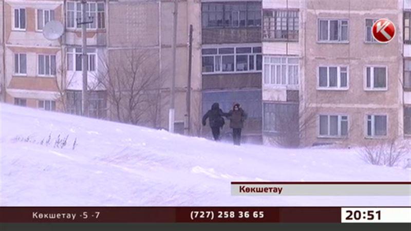 Жол азабын тартқан  оқушылар Көкшетау әкіміне мектепке бірге баруды ұсынды