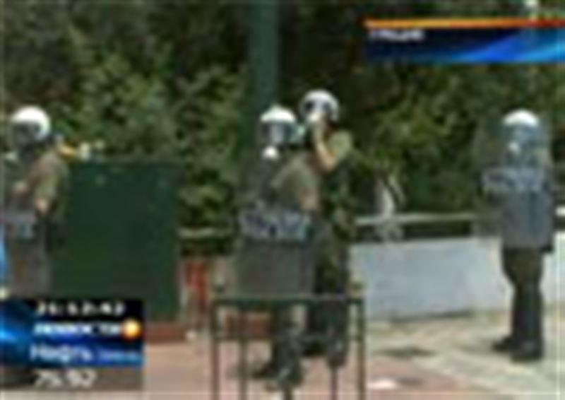 Столкновениями с полицией закончилась общенациональная забастовка в Греции