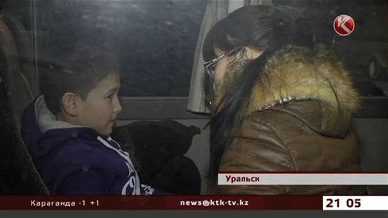 Детей из Березовки госпитализировали прямо в аэропорту