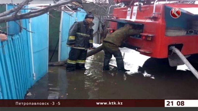 Проливной дождь вызвал наводнение в Алматинской области
