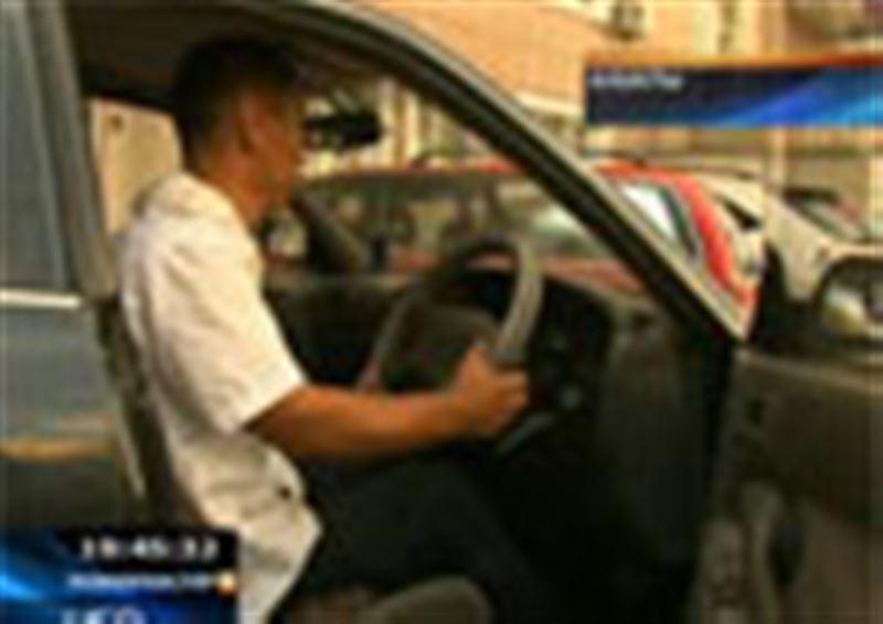По дорогам Казахстана проходит необычный автомарафон. За рулем  сидят инвалиды-колясочники