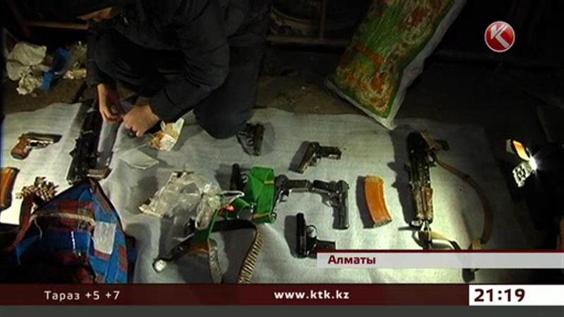 В Алматы уничтожали оружие террористов