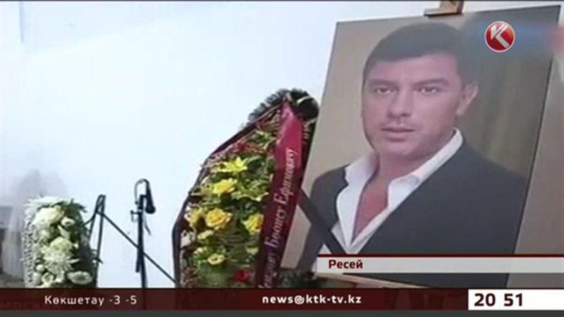 Борис Немцовты жерлеу рәсіміне Кремльден көп ешкім келмеді