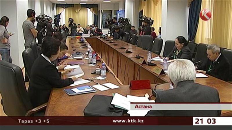 Кандидаты на пост президента страны не знают казахского