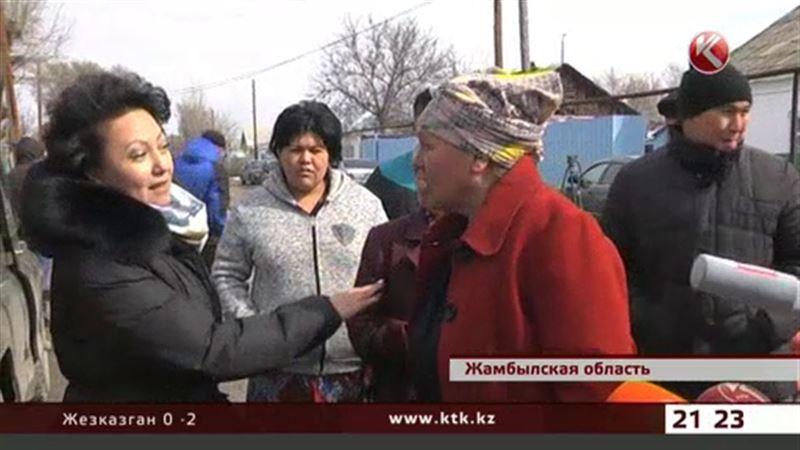 Жамбылские сельчане спасаются от свирепых собак как могут