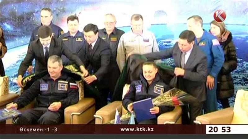 «Союз» кемесінің экипажы мінген капсула Жезқазған маңына түсті