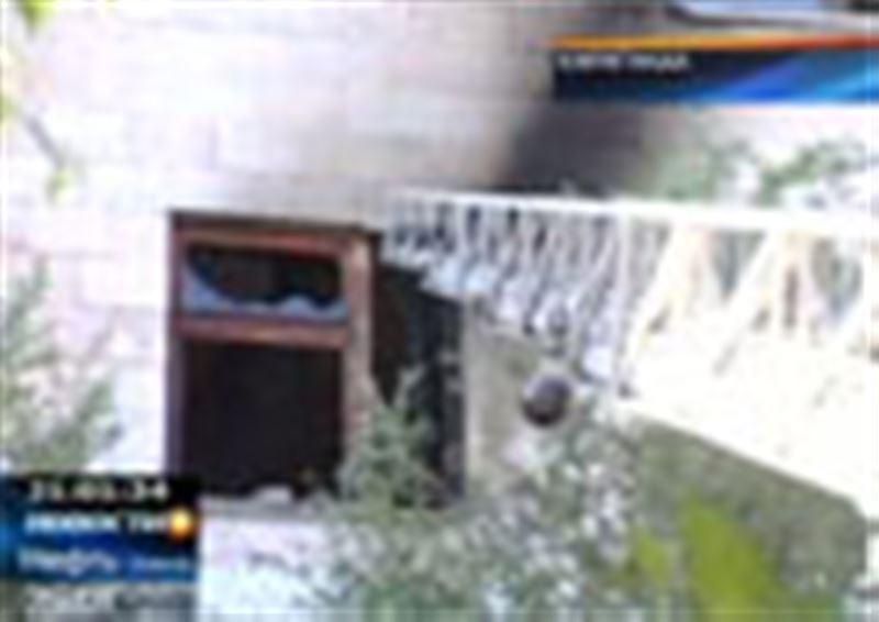 Сразу два крупных пожара произошли сегодня в Караганде