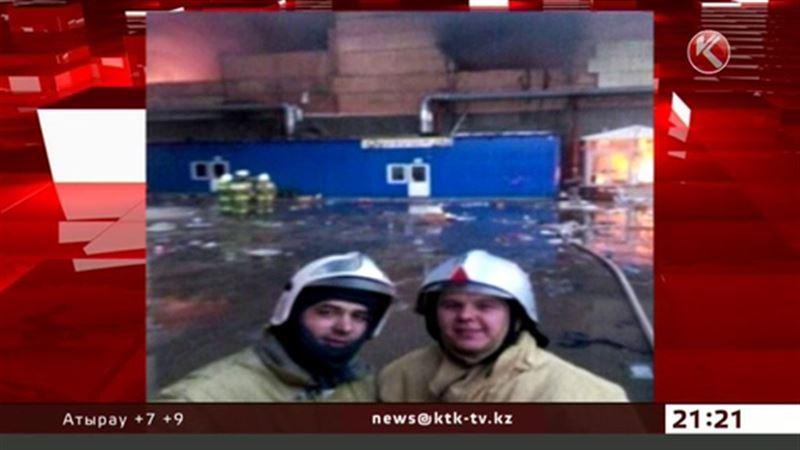 Пожарные делали селфи на фоне пылающего здания
