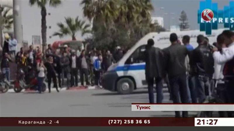 Теракт в Тунисе унес жизни 23 человек