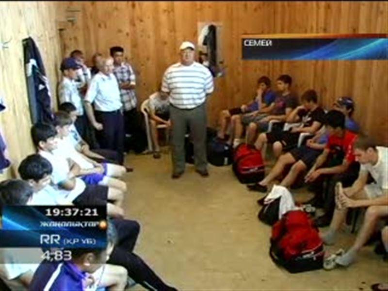 Семейские болельщики с трудом упросили игроков местного «Спартака» провести матч с усть-каменогорским «Востоком»