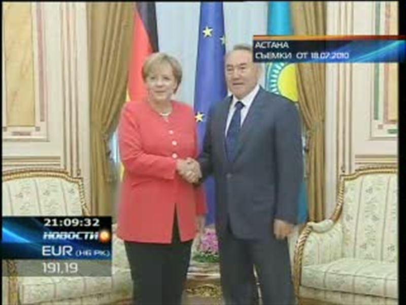 Федеральный канцлер Германии Ангела Меркель попала в Астане в неудобное положение