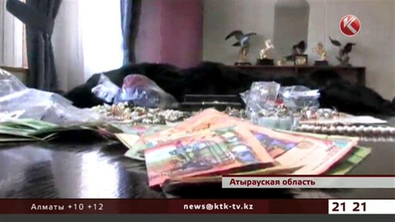Атырауская полиция ищет владельцев золота, бриллиантов и мехов