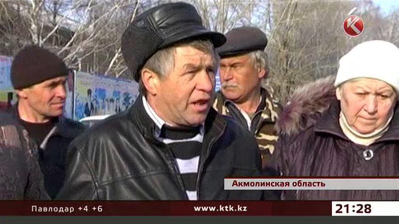 Акмолинские сельчане заявили, что не пустят никого на свои поля