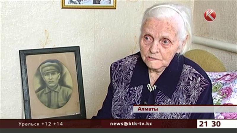 Герои тыла: Анна Загоруйко круглосуточно шила гимнастёрки