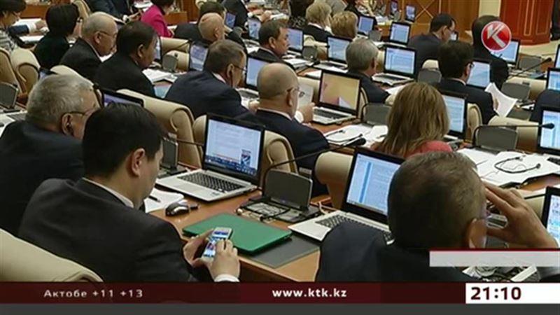 Иностранцы не понимают, почему у наших депутатов по два телефона