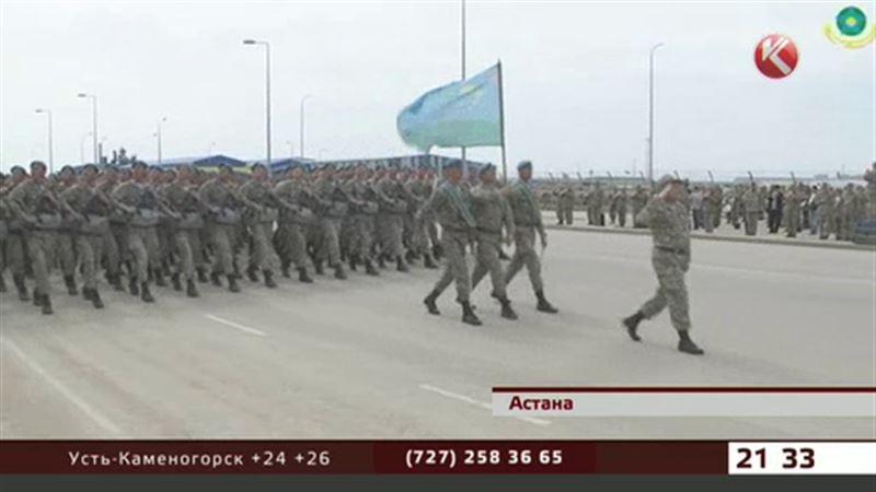 Казахстанские военные готовятся к главному параду страны