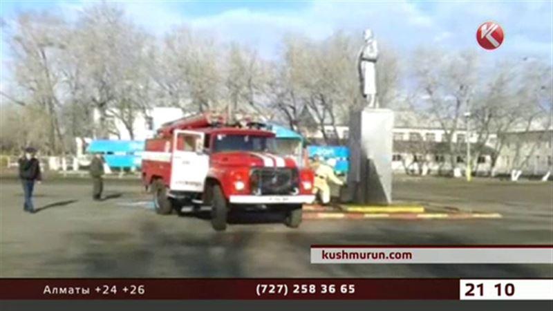 В Костанайской области хотели взорвать памятник Ленину