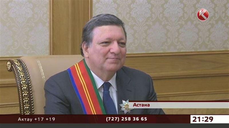 Нурсултан Назарбаев наградил  Жозе Мануэля Баррозу орденом «Достык»