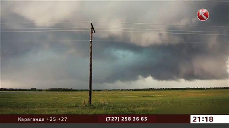 На американский штат Оклахома обрушился мощный торнадо