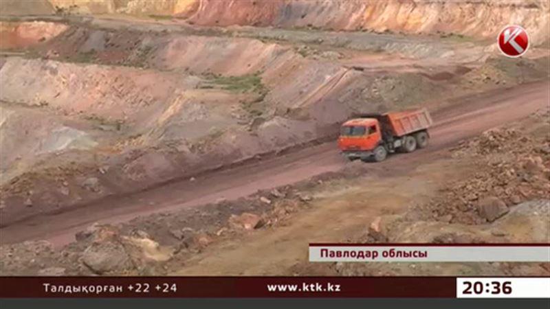Павлодар облысында опырылған топырақ кеншілерді басып қалды