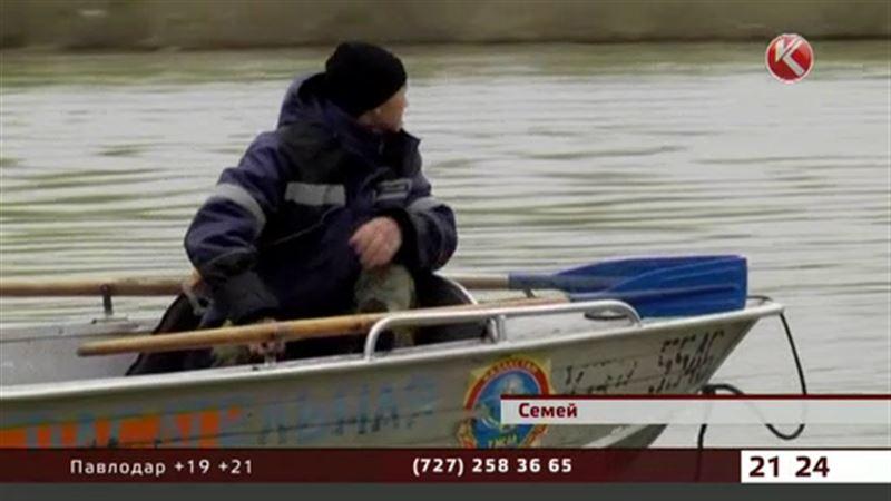 Семейские спасатели ищут в реке тело 20-летнего контрактника