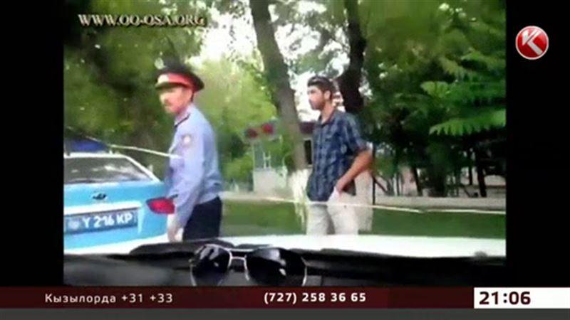 Несдержанный полицейский ругался, бил машину и стал звездой интернета