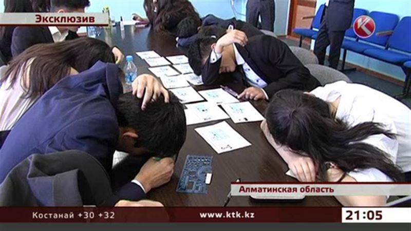 ЭКСКЛЮЗИВ: Целую группу подставных выпускников разоблачили в Алматинской области