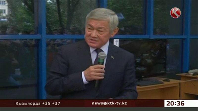 Сапарбаев астаналық оқушылар үшін тестілеуді 15 минутқа ұзартуды сұрады