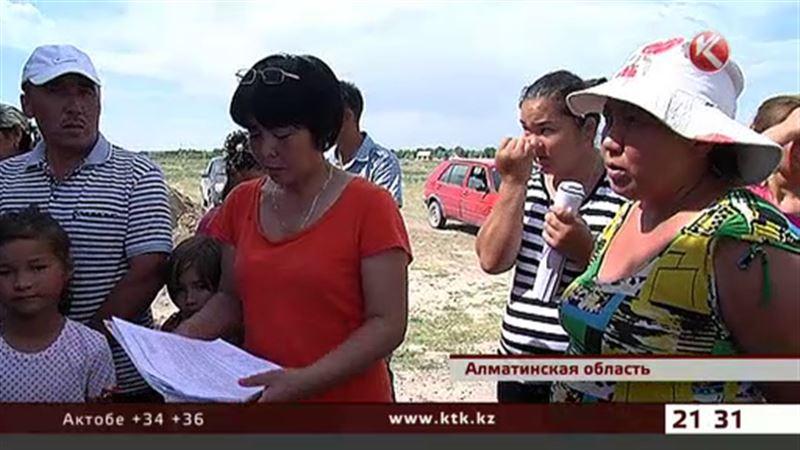 Население поселка близ Алматы живет в кромешной тьме