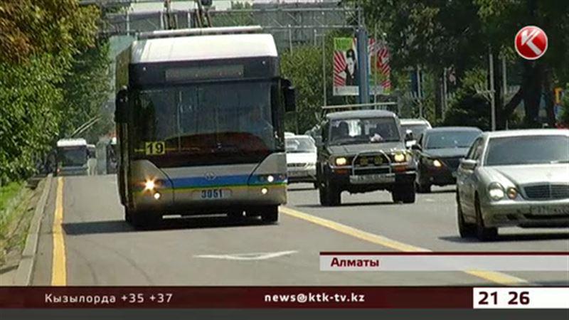 За выезд на полосу «А» оштрафовали уже сто водителей