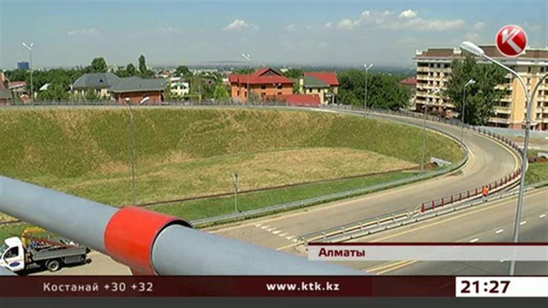 Алматинским водителям опять привыкать к новшествам