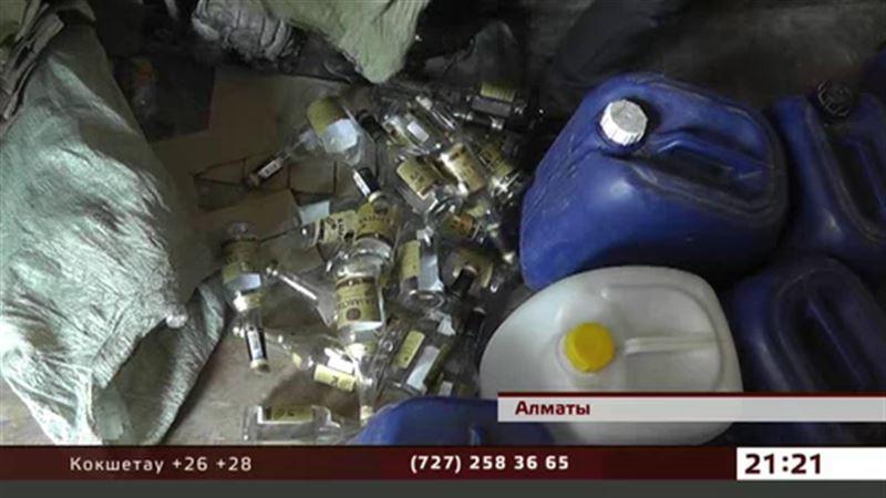 Паленой водкой и виски торговали крупные рынки Алматинской области