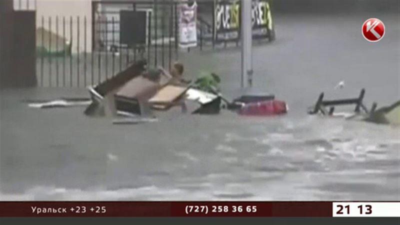 Филиппины в зоне тропического шторма