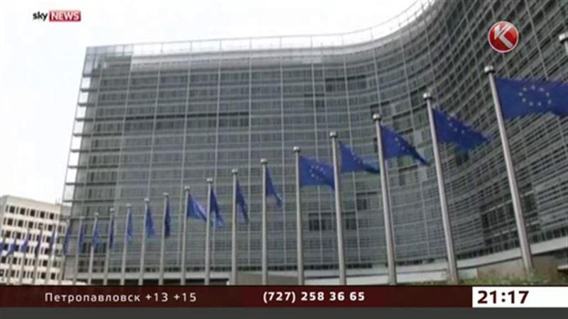 Евро снижается, нефть падает, рубль тревожится