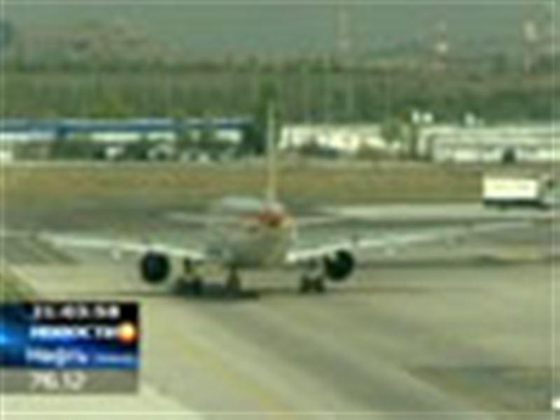 Шокирующая история произошла в мадридском аэропорту при депортации  гражданина Казахстана на родину