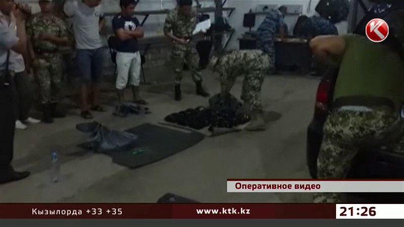 Казахстанские пограничники оставили российских наркоманов без героина