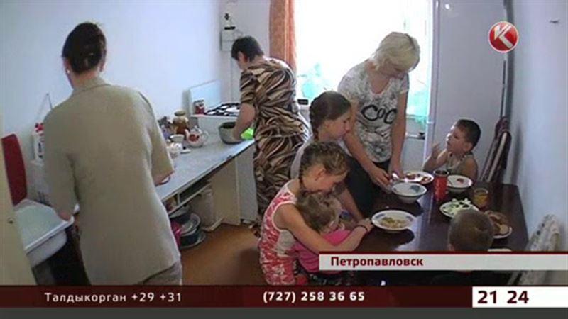 В Петропавловске владельцам трех снесенных домов выдали одну квартиру на всех