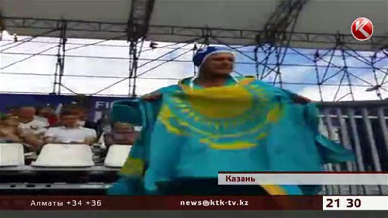 Болельщик из Казахстана сорвал аплодисменты трибун на ЧМ в Казани